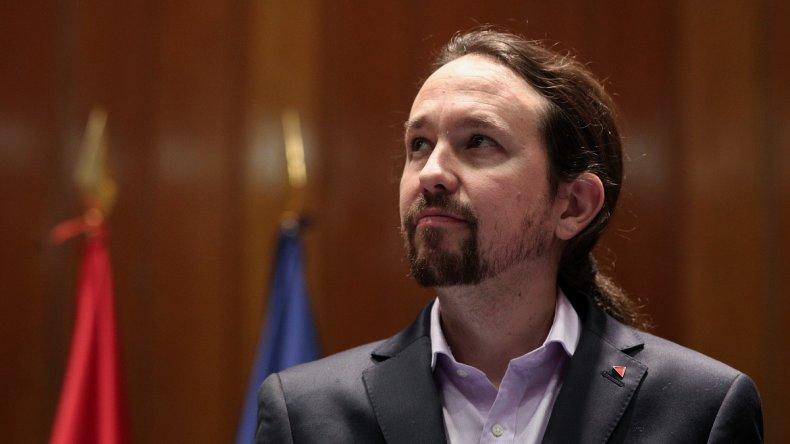 Pablo Iglesias y Pedro Sánchez ultiman su acuerdo de coalición.