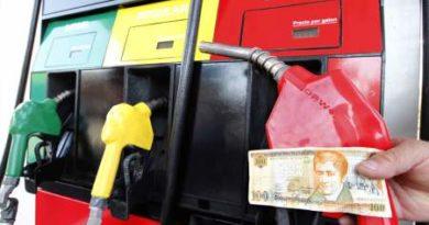 Anuncian rebajas en el precio de la gasolina