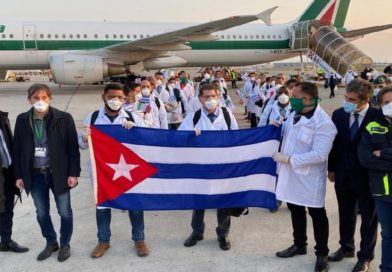 "Como ""mal preparados"" califican a médicos cubanos que viajaron a Italia"