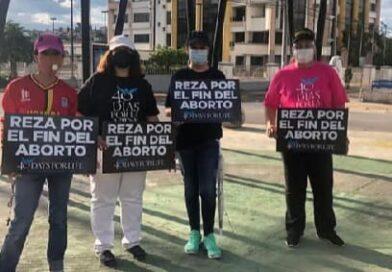 Realizan plantón en contra del aborto