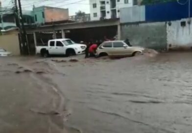 Lluvia en Tegucigalpa deja fuertes inundaciones