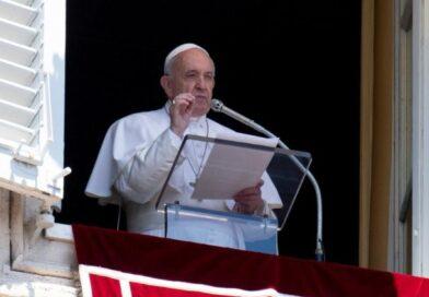 El Papa Francisco reza por afectados de huracanes en Hondura s