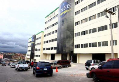 Anuncian incremento salarial a interventores de la ENEE