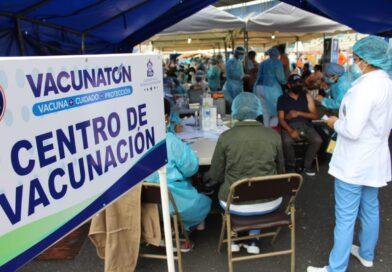 Primera jornada de vacunación deja 57 mil personas vacunadas en el Distrito Central