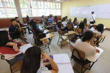 Sinager da visto bueno para que universidades regresen a clases presenciales